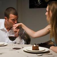 Un piropo es como besar la mano de tu mujer